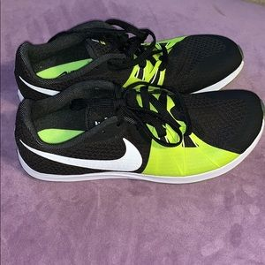 Nike XC runnings shoes